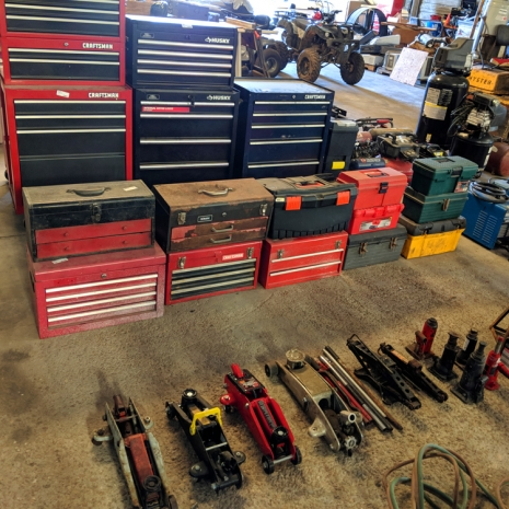 tool-boxes-and-jacks